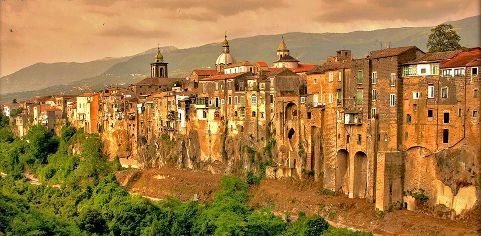 Giornata Bandiere Arancioni Touring Club Italiano – Visita a Sant'Agata dei Goti ed Airola